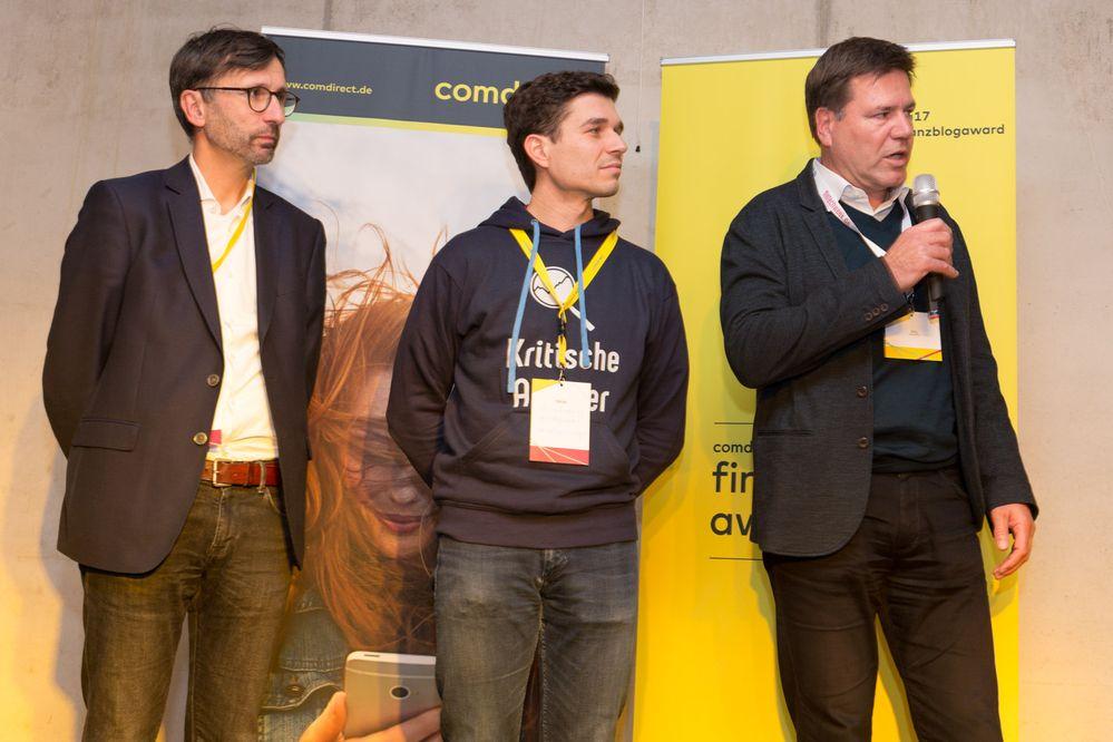 Die Preise des fba17 wurden von Sven Deglow sowie den beiden Jurymitgliedern Stefan Erlich und Jörg Sadrozinski übergeben (v.l.n.r.)